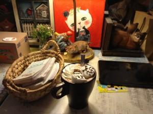 猫に会うためにだけにお茶飲んで~~