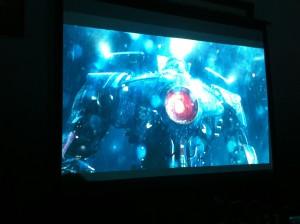 深夜には映画パシフィックリムも見ました。この映画は全てのロボオタクに見て欲しいです。日本愛が溢れています。