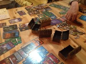 世界の七不思議:久しぶりのこのゲーム。やっぱり初めての人が多いと学術系が強くなるんですよねぇ。