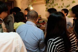 店を閉じると言うことで、全部上海ゲーム部にくれると老板が言ってくれましたが、せめてもの恩返しのため、オークションケー式で販売してもらいました。