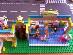今女の子に大人気のレゴフレンズシリーズ:基本的に、遊びやすさを