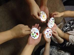 ドブル:これは、あつあつポテトという遊び方です。7種類ものパーティーゲームが遊べるのが、魅力ですね。