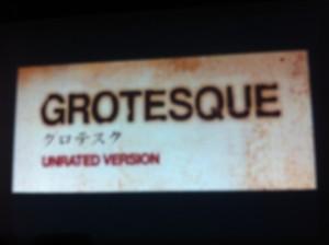 また、祭りの合間にスプラッターホラー映画の上映会も行われました。これは本当にド変態な映画なので、あまりの残酷さに2名が途中退出しました。