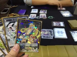 WIXOSS:アニメの第二期も中盤にさしかかり、いよいよ乗りに乗っているこのカードゲーム。来年は大規模な大会が出来そうですね。