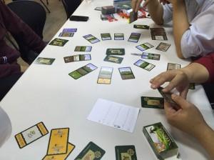 フィレータ:裏切りをテーマにしたゲームです。領地を奪いあいつつも、仲間の動向に気を付けなければならないスリルがたまりません。