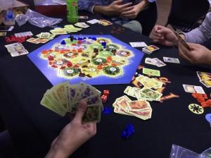 カタン:ボードゲームの王とも言われるこのゲームは未だにプレイされます。