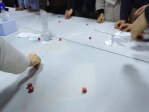 ラッキー5:サイコロを振り、上海ゲームの目が出たら勝ちです。27個のサイコロを振った結果はどうだったでしょうか?