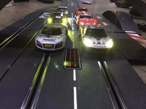 各車スタートを待ちます。今回のレース参加者は12名、2ブロックに別れ10週に挑みます。
