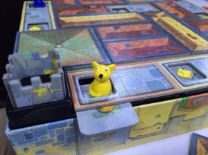ねずみのお城:暗チュウ(ねずみだけに)模索の中チーズを探すやたら可愛いゲームです。意外な戦略性があるんですよ。