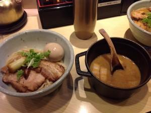 魚介のスープにゆずを練り込んだ麺が絡んで美味しかったです