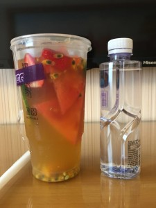 (果物はイチゴ、ライム、スイカ、ざくろ、マンゴーで、緑茶ベースです)