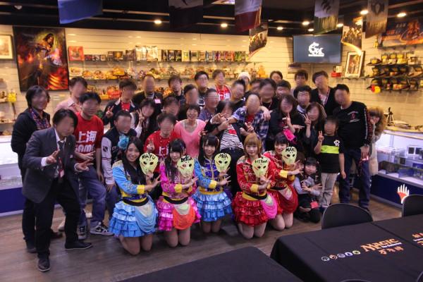 最後は部員の皆と記念撮影です。今回のこの試みは上海ゲーム部にとって今までにない経験でしたが、