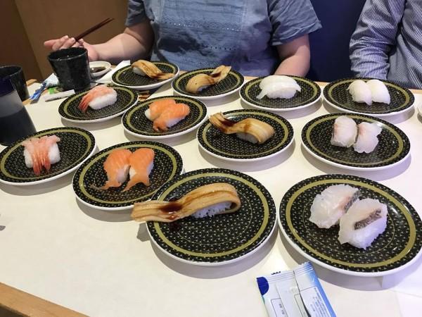 寿司が来た!